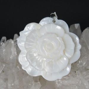 Colgante flor nácar y plata