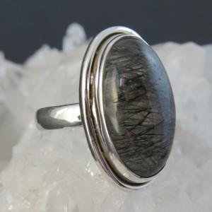 Anillo cuarzo turmalinado y plata
