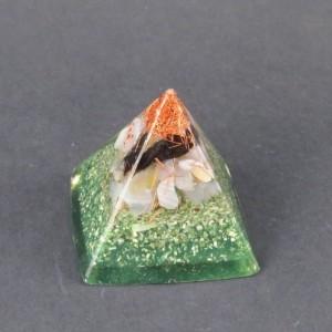 Orgonita pirámide verde