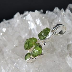 Colgante olivino y plata