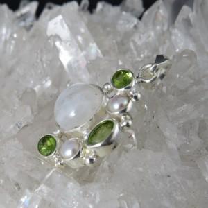 Colgante piedras semipreciosas y plata