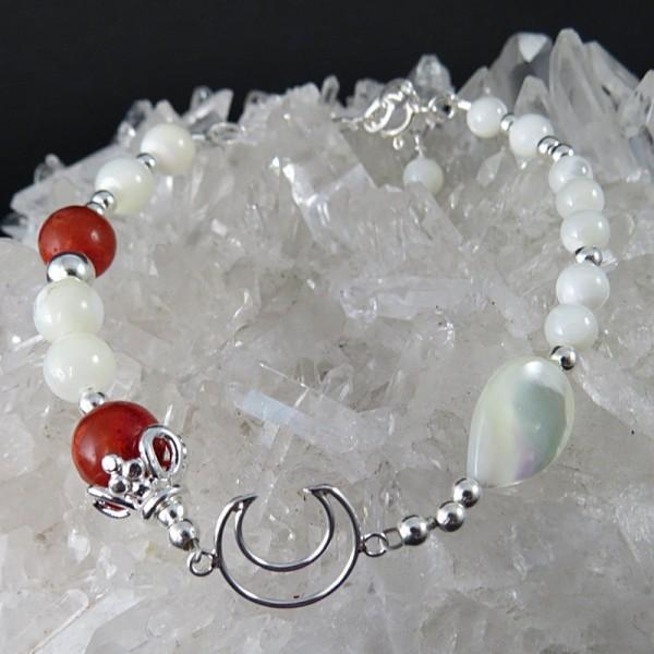 Pulsera luna nácar, coral y plata
