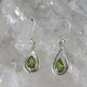 Pendientes olivino y plata