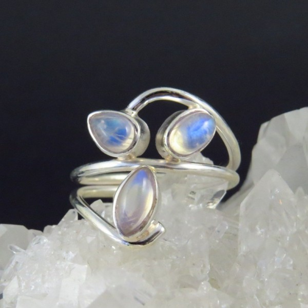 Anillos de plata con piedras semipreciosas